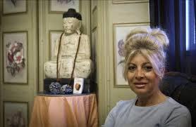Lola de Vega, la médium que asegura que desde niña ve y habla con ... - 5144658w-640x640x80