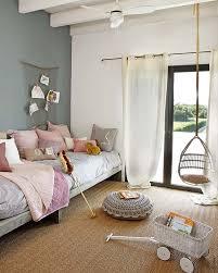 chambre en osier fauteuil suspendu deco design chambre enfant bois osier blanc
