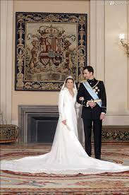 robe de mariã e espagnole pour épouser le prince felipe d espagne letizia ortiz est apparue