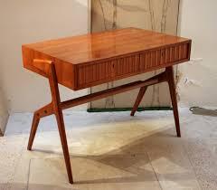 Kleiner Schreibtisch Kleiner Kirschholz Schreibtisch 1950er Bei Pamono Kaufen
