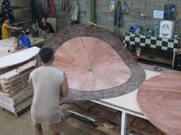 72 round mahogany dining table with burled walnut banding