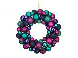 Christmas Wreath Decorations Wholesale Uk by 12 Best Artificial Christmas Wreaths The Independent
