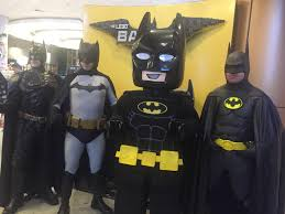 batman and robin halloween costumes for couples batfans lego lovers flock to the lego batman movie premiere