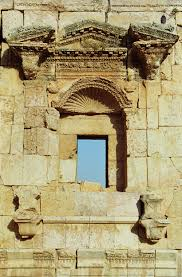 ancient greeks and romans broke their pediments alberti u0027s window