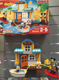 Lego Beach House Walmart by Lego Duplo Mickey And Friends Beach House New Toys From Toy Fair