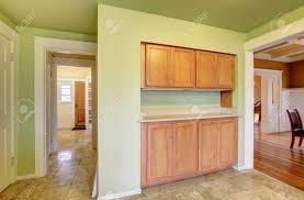 Kitchen Wall Colors With Maple Cabinets What Wall Color Goes With Maple Cabinets Kitchen Backsplash Ideas