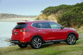 2015 nissan x trail debuts updated 2017 nissan x trail gets new stronger diesel engine