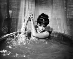 Bathtub Pinup Owens Archive The Worlds Gratest Photos Gina Lollobrigida In