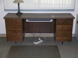 Dark Wood Computer Desk Desks Government Auctions Blog Governmentauctions Org R
