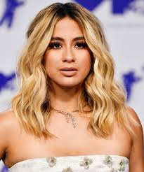 blonde hair dark roots celebrity hair trend photos