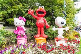 snoopy costume osaka japan nov 21 2016 elmo and snoopy in