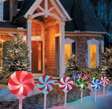 Christmas Decorations For Porch Lights by How To Turn Outdoor Christmas Decorations On Off Improvements Blog