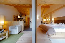 bed and living lagaciã mountain residence designed by nã sslinger hotel projekt