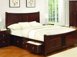 Cheap King Size Bed Frames by Bedroom Modern King Size Bed King Sizes Beds On Rustic Wood