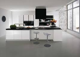 cuisine blanche mur taupe mur blanc et taupe best cuisine blanche et taupe en acrylique with