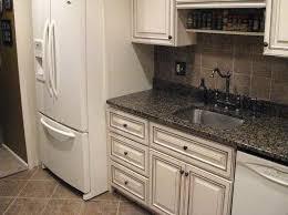 glazing white kitchen cabinets how to glaze white kitchen cabinets ideas home decor and design