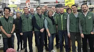 siege gamm vert au gamm vert de gauchy les employés à disneyland la