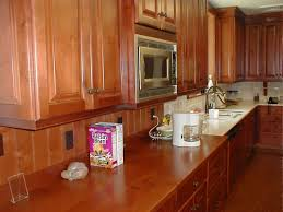 backsplash to match cherry cabinets what color should i paint my kitchen with cherry cabinets what color