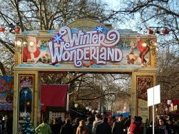 winter entrance picture of hyde park