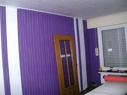 wohnzimmer ideen wandgestaltung lila haus renovierung mit modernem innenarchitektur geräumiges