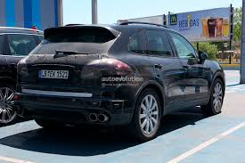 stanced porsche panamera spyshots new images of 2015 porsche cayenne facelift autoevolution