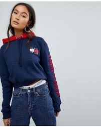 don u0027t miss this bargain tommy jeans 90s capsule contrast crop