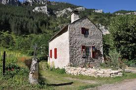 vente chambres d hotes chambres d hôtes en lozère habitat écologique détente nature