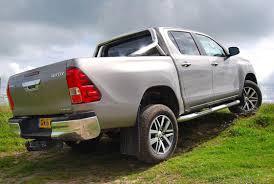 toyota truck hilux 2017 toyota hilux review pickuptrucks com