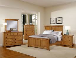 Palliser Bedroom Furniture Oak Forsyth Medium Oak Panel Bedroom Set By Virginia House Furniture