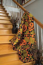 halloween quilt pattern 501 best quilted halloween images on pinterest halloween quilts