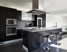 cuisine moderne noir et blanc modele cuisine noir et blanc modele carrelage salle de