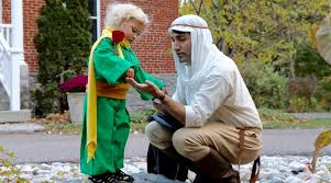 justin trudeau dresses up and goes trick or treating with his