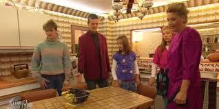 decoration annee 80 m6 plonge une famille dans le quotidien des années 1980
