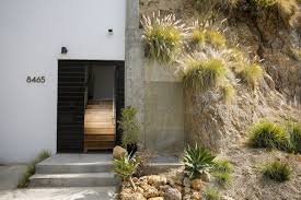 Homes Built Into Hillside Solutions To A Home Building Challenge In The Hollywood Hills La