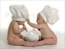 posters cuisine posters affiches de bébés en cuisine posterlounge