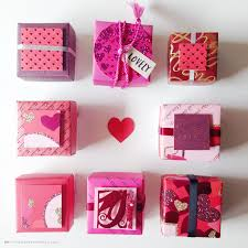 make s day treat boxes out of recycled greeting cards