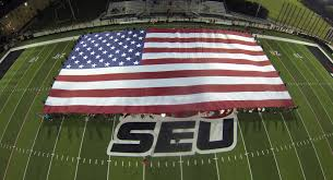 Hanging A Flag Vertically Giant Flag Rental Gallery Huge Flags For Stadium Events