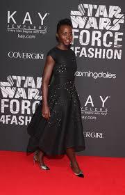 zac posen light up gown lupita nyong o wears light up led dress by zac zac posen to star