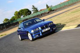 Bmw M3 Series - video 5 reasons why the bmw e36 m3 is better than the e46 m3