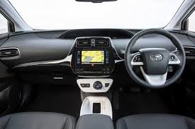 toyota 2015 toyota prius hatchback review 2015 parkers