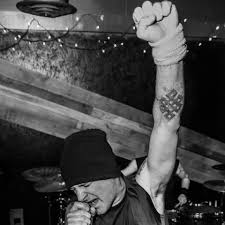 interview with ex misfits singer michale graves get ready for a