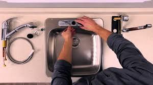 changer robinet de cuisine changer robinet cuisine luxe rona ment installer ou remplacer un
