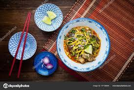 cuisine thailandaise traditionnelle khao soi cuisine thaïlandaise traditionnelle khao soi