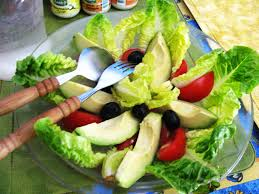 avocat cuisine file salade sucrine et tomate avocat jpg wikimedia commons