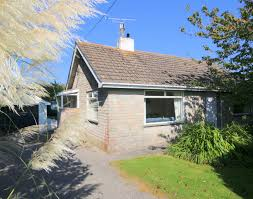 avoca self catering holiday cottage in rock john bray cornish