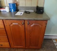 reparation armoire de cuisine restauration de portes d armoires de cuisine en bois massif mélamine