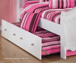 Poster Bed by Exquisite Full Size Poster Bed Beds Ashley Furniture