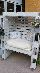 Pallets Patio Furniture by Diy Projects With Wooden Pallets Recycled Things