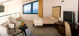 Bedroom Side View by Family Room Maisonette Style Side Sea View