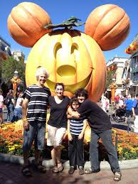 disneyland halloween with a teen and tween momsla